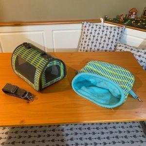 Small animal travel bag & pocket hide away